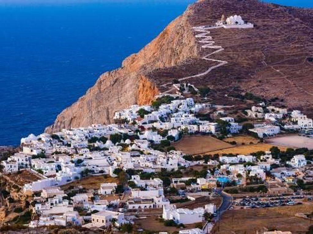Turis Ditemukan Dehidrasi Usai 3 Hari Hanyut di Laut