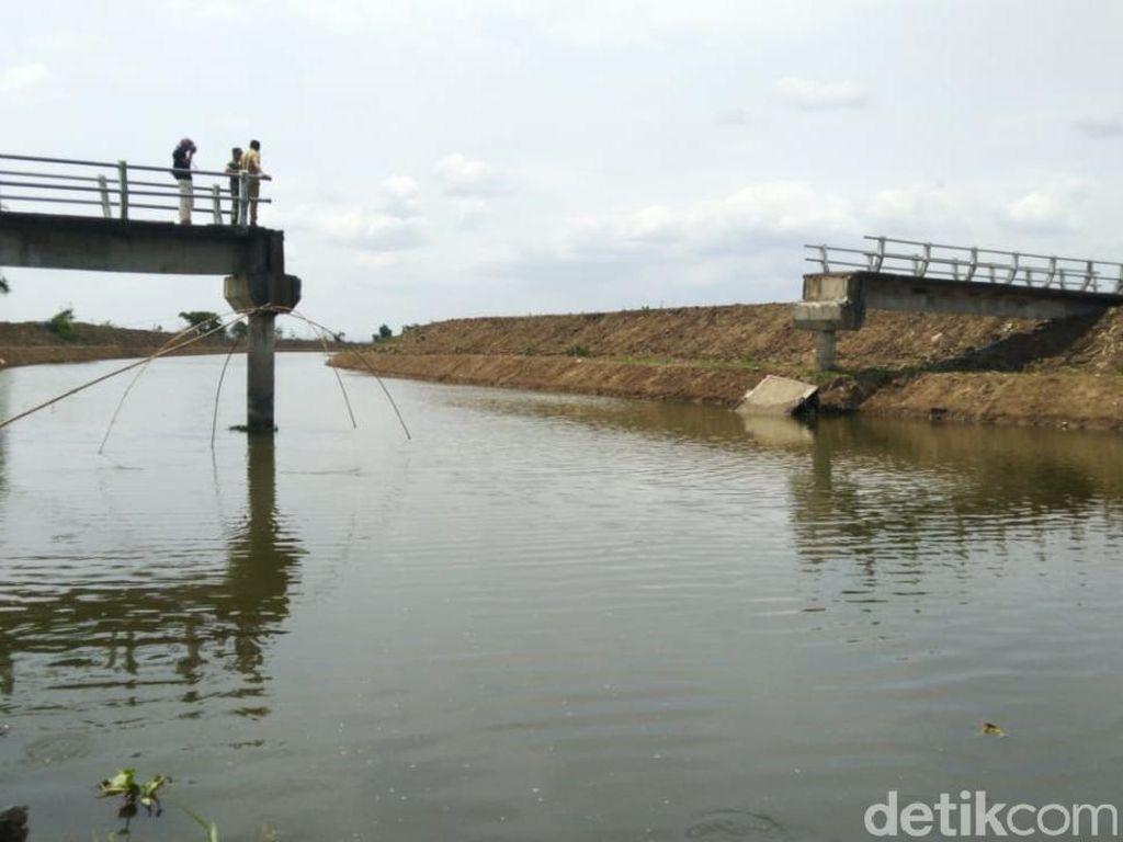 Jembatan Antar Desa di Demak Roboh, Akses Terputus