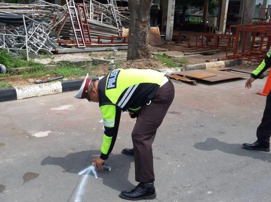Kecelakaan Fatal di Batam, Mobil Terbang Hantam Wanita Jogging