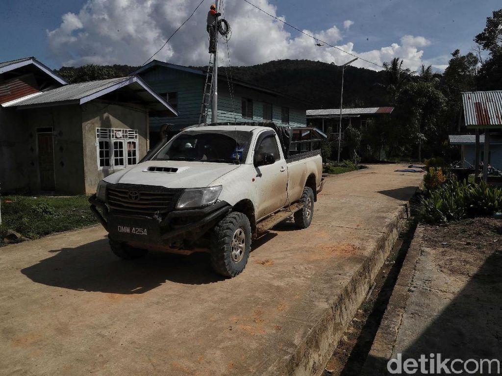 Mobil Pelat Malaysia Wara-wiri di Perbatasan Indonesia