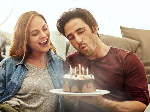 5 Ucapan Selamat Ulang Tahun Pernikahan Paling Romantis untuk Suami