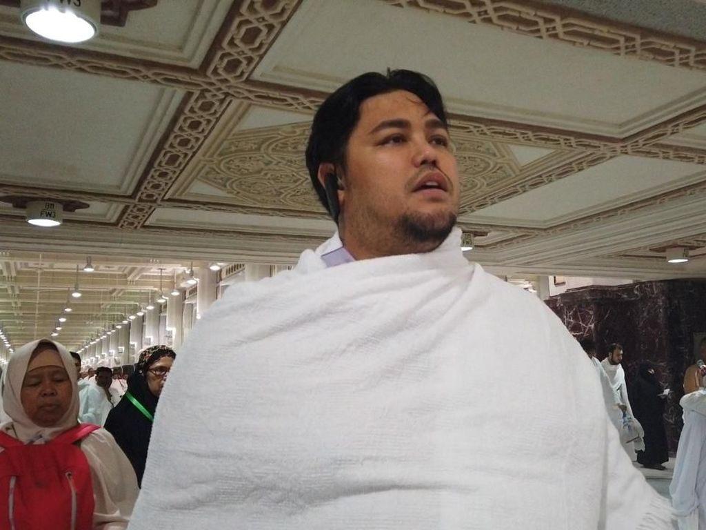 Foto: Umrah, Ivan Gunawan Temukan Inspirasi di Tanah Suci
