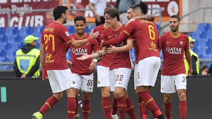 AS Roma masuk ke tiga besar klasemen Liga Italia usai menang atas Napoli (Foto: Alberto Lingria/Reuters)