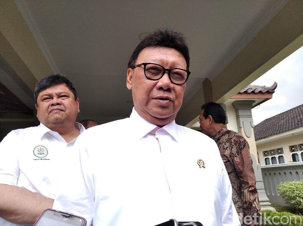 Minta Maaf Sebar Link Film Ilegal, Menteri Tjahjo Ngaku Dikirimi Teman