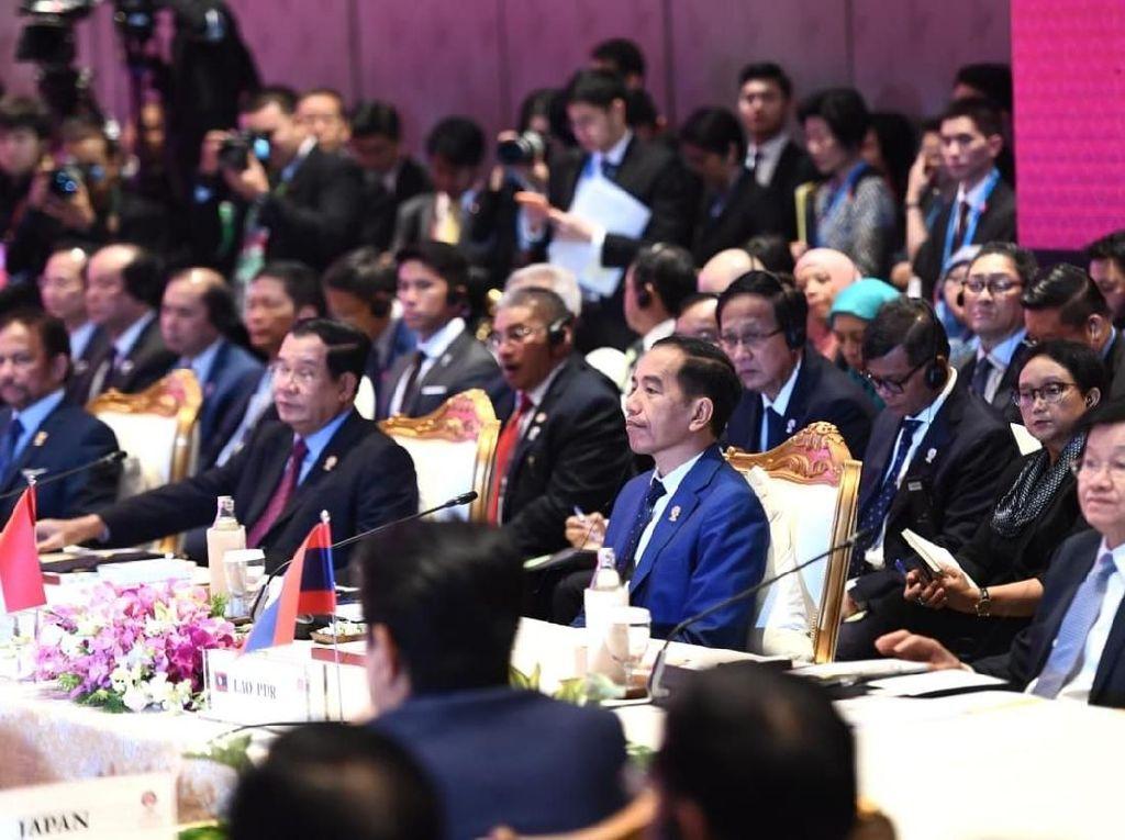 Jokowi: Jika ASEAN Plus Three Tak Solid, Stabilitas Keamanan Taruhannya