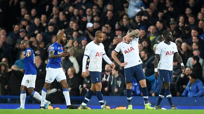 Tottenham Hotspur kian terperosok di klasemen Liga Inggris. (Foto: Michael Regan/Getty Images)