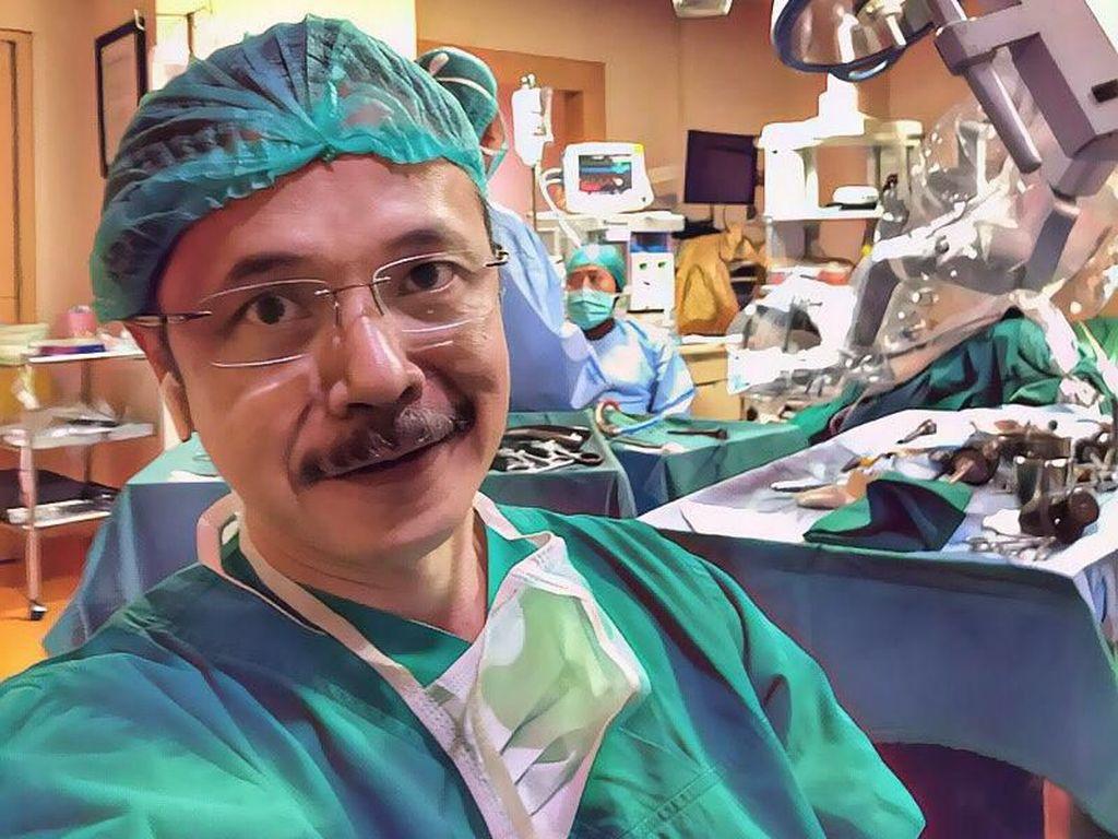Ini Dia Foto Dokter Indonesia yang Dipakai Penipu untuk Merayu Wanita
