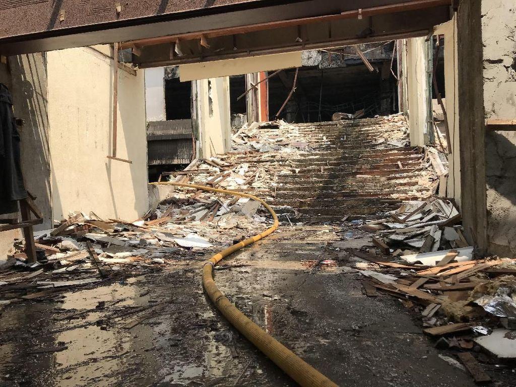 Polisi Periksa 6 Saksi Selidiki Penyebab Kebakaran Gedung Hailai