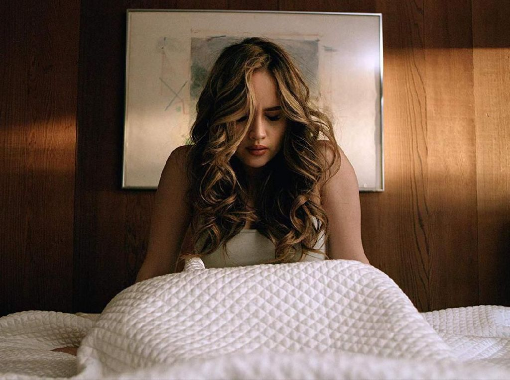 Keren! Cinta Laura Menang Aktris Terbaik di Ajang Latino Awards 2019