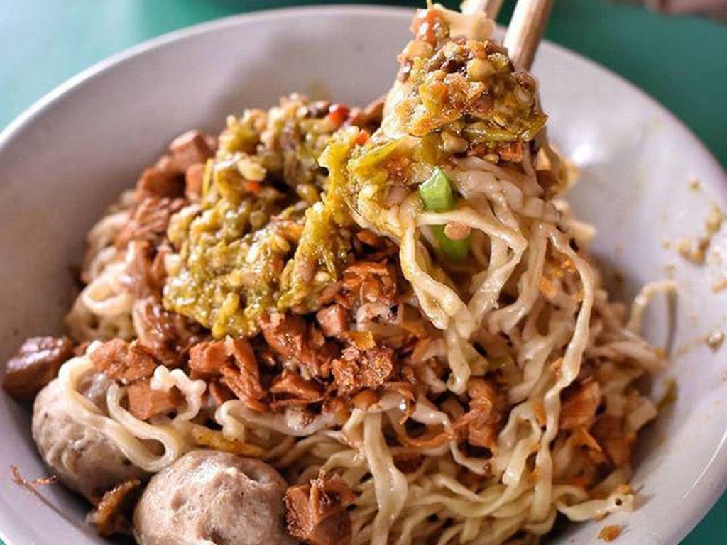Ngeunah Pisan! 5 Mie Ayam Gerobakan Paling Hits dan Enak di Bogor
