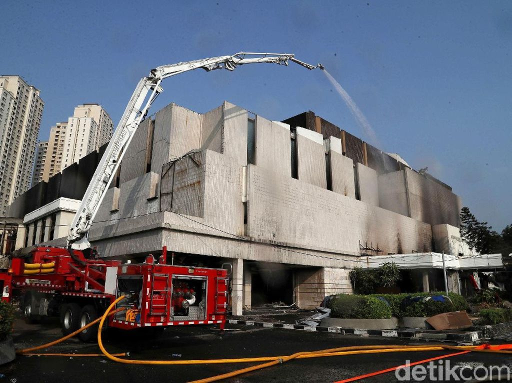 Kebakaran di Hailai Ancol Diduga Akibat Percikan Api Pembongkaran Gedung