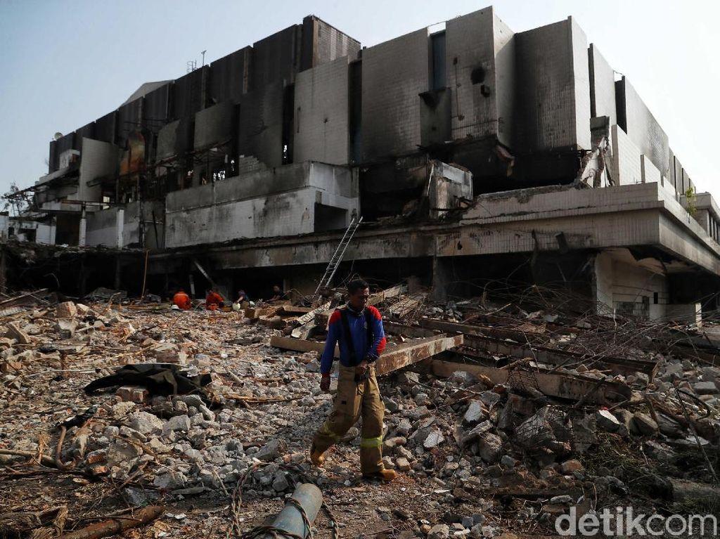 Polisi Cek Dugaan Gedung Hailai Sengaja Dibakar