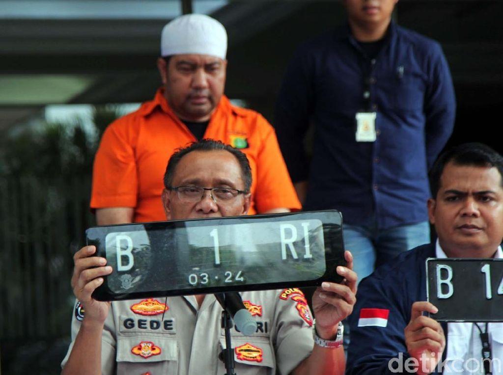 Pemilik Mobil B 1 RI yang Halangi Tamu Pelantikan Ngaku Keturunan Raja