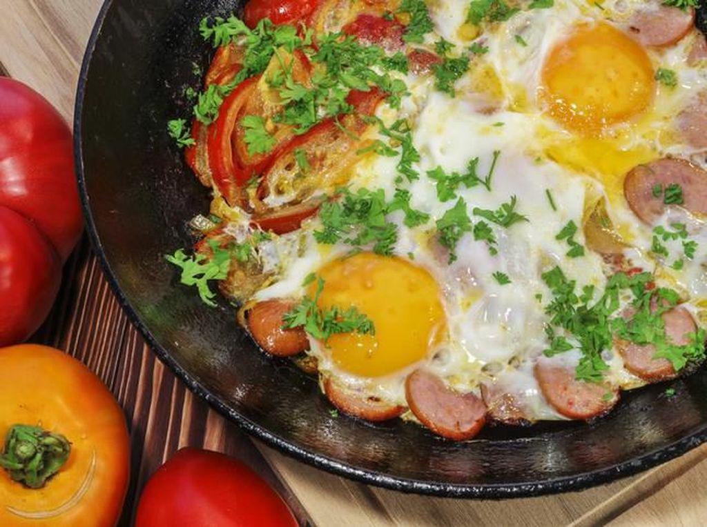 Tumis Sosis Telur yang Gurih Praktis Buat Sarapan