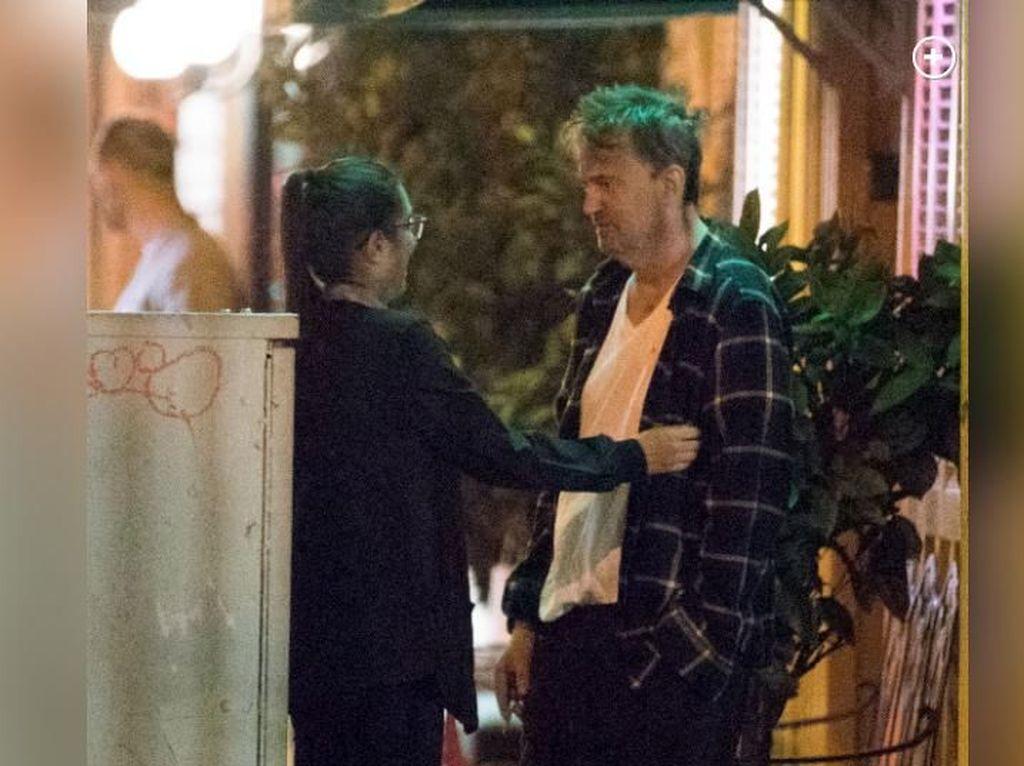 Kondisinya Sempat Viral, Kini Matthew Perry Foto Bareng Courteney Cox