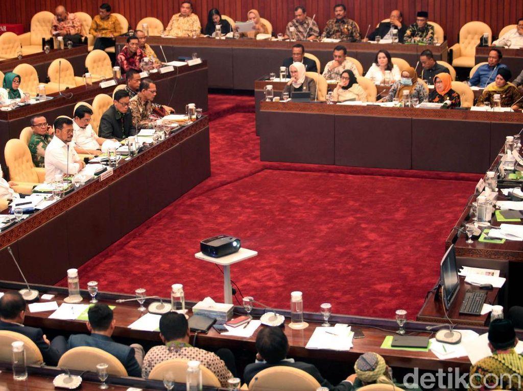 DPR-Mentan Rapat Tatap Muka Perdana di New Normal, Ini Hasilnya