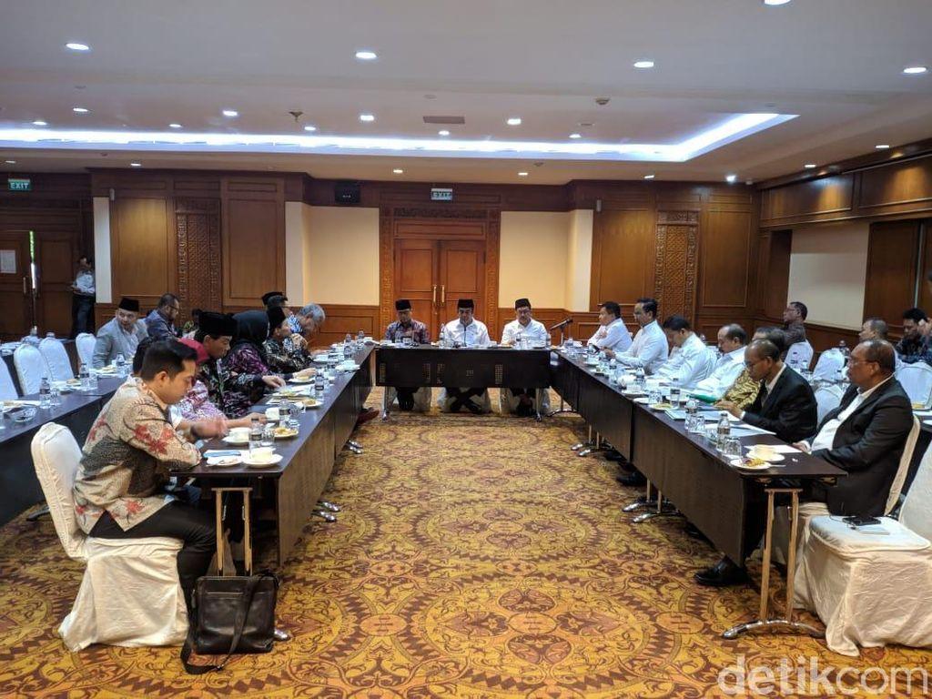 Sebelum Bertemu di DPR, Menag Ajak Diskusi Komisi VIII di Hotel Sultan