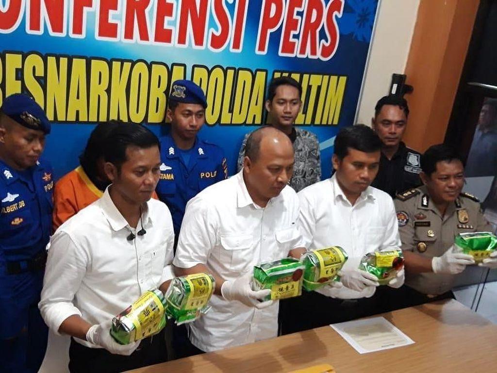 Polairud Polda Kaltim Tangkap Penyelundup 6 Kg Sabu di Samarinda