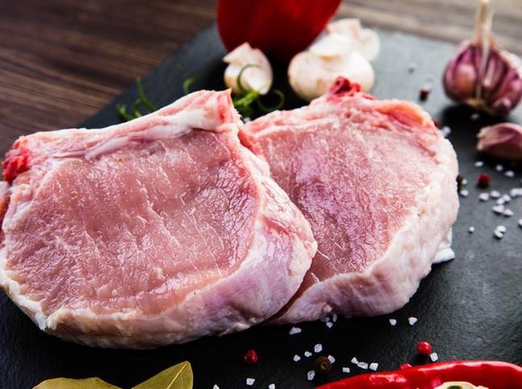 Delegasi Timnas Tak Sengaja Makan Daging Babi, Bagaimana Hukumnya dalam Islam?