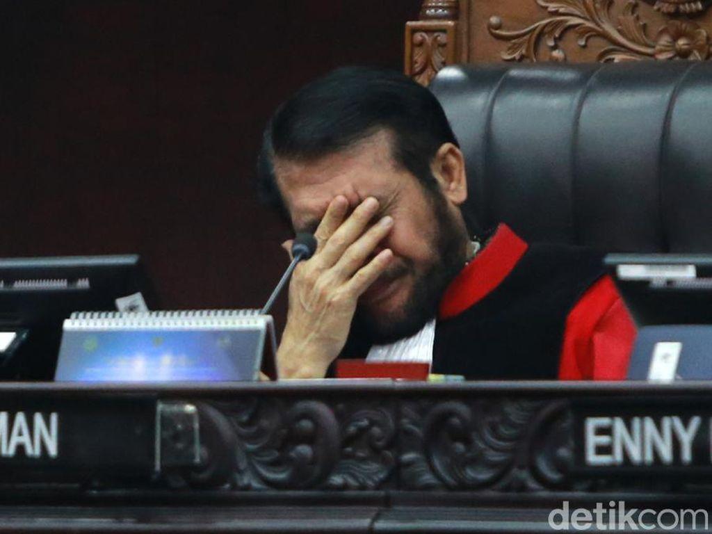 MK Tunda Sidang Gugatan UU KPK karena Antisipasi Corona