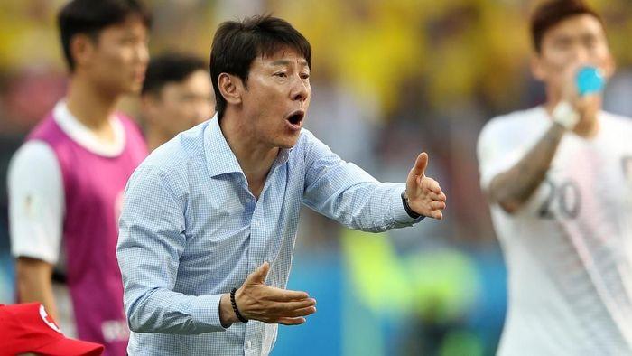 Shin Tae-yong paparkan program kerja kepada PSSI selama dua tahun. (Clive Mason/Getty Images)