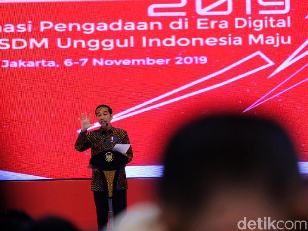 Jokowi: Ratusan Ribu Cangkul Masih Impor, Kebangetan Banget!