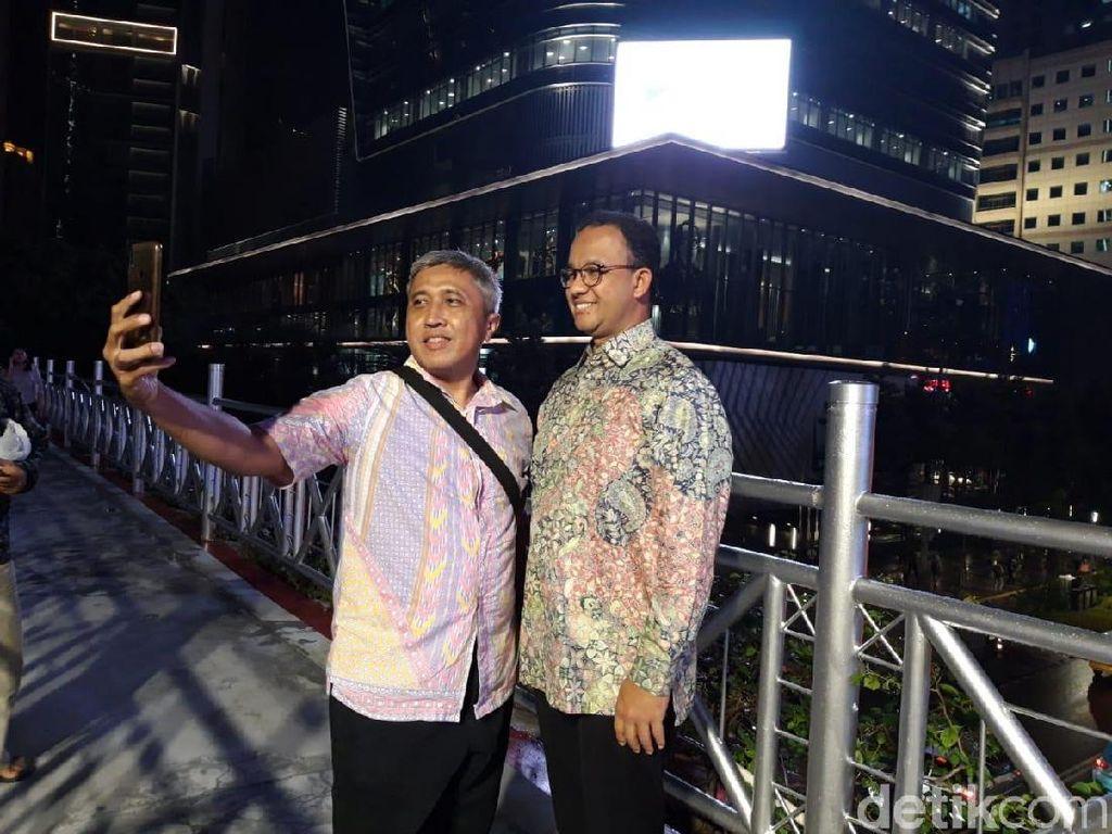 Copot Atap JPO Sudirman, Anies Ingin Beri Pengalaman Beda dan Unik