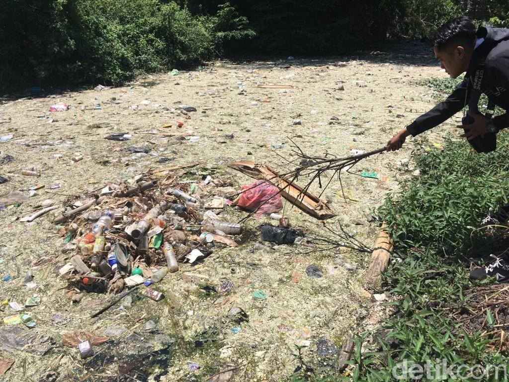 DLH Mojokerto Akan Terjunkan Tim untuk Selidiki Pencemaran Sungai Ledeng