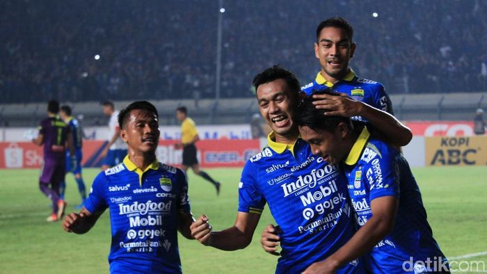 Persib Bandung kalahkan PSIS Semarang 2-1 di Stadion Si Jalak Harupat, Rabu (6/11/2019). (Wisma Putra/detikSport)