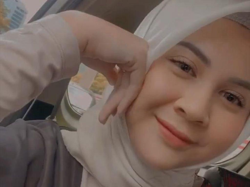 Kesha Ratuliu Diinjak dan Dipukul Mantan, Netizen: Inisialnya W?
