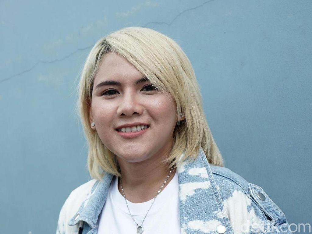 Dulu Dibully Belajar Agama, Evelyn Kini Senang Banyak yang Dukung