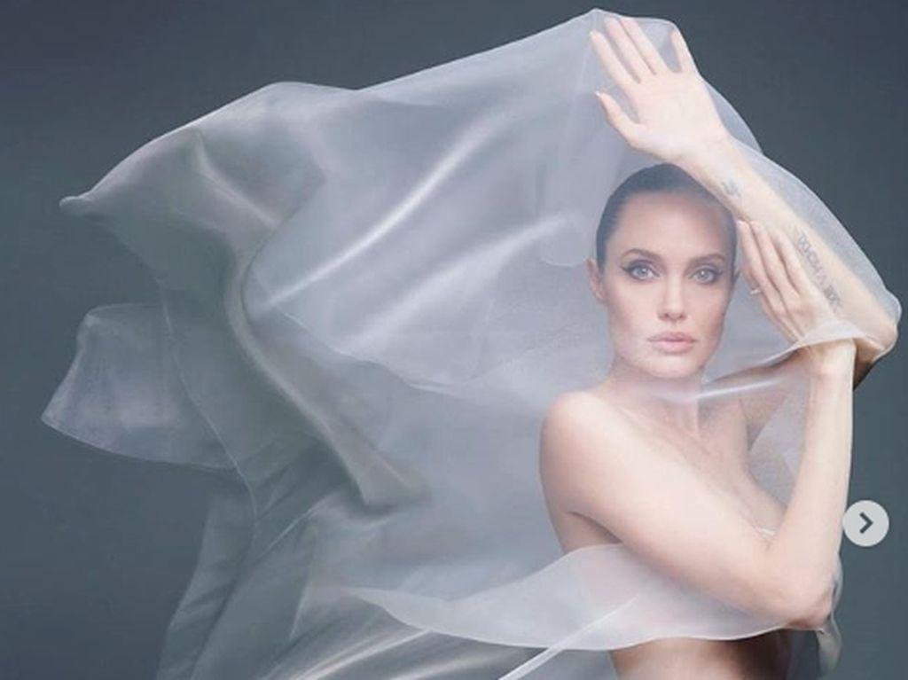 Johnny Depp Ternyata Pemuja Angelina Jolie, Cantiknya Disebut Seperti Dewi