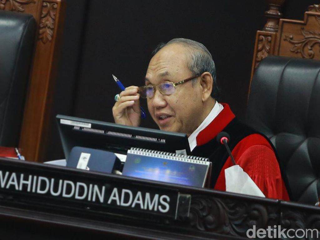 Hakim Konstitusi Wahiduddin Bicara Tantangan Pengacara di Era 4.0