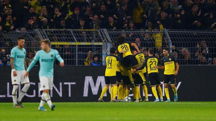 Borussia Dortmund bangkit dari ketinggalan dua gol untuk mengalahkan Inter Milan 3-2 di matchday IV Liga Champions. (Foto: Thilo Schmuelgen / Reuters)