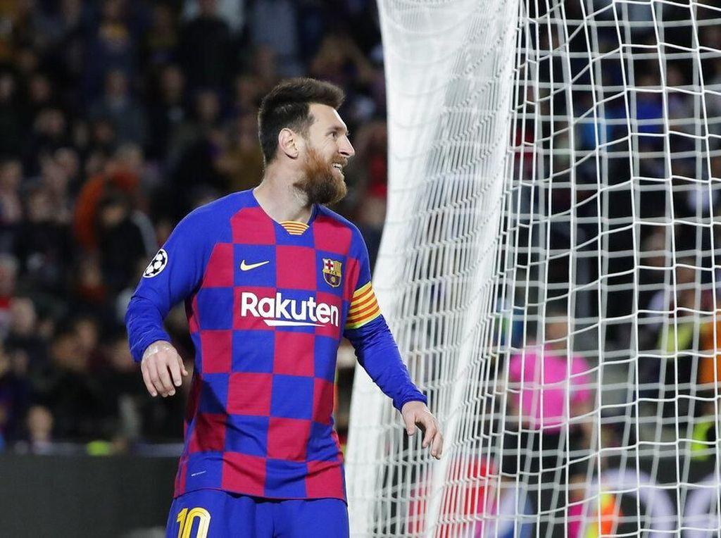 Messi, Kenapa Tidak Oper Bolanya ke Griezmann?