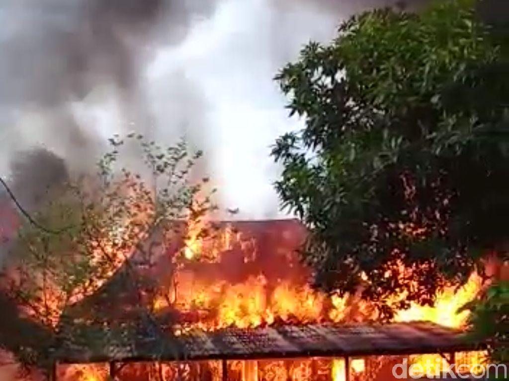 Api Lalap Habis Dua Rumah di Mojokerto, Uang Rp 16 Juta Turut Terbakar