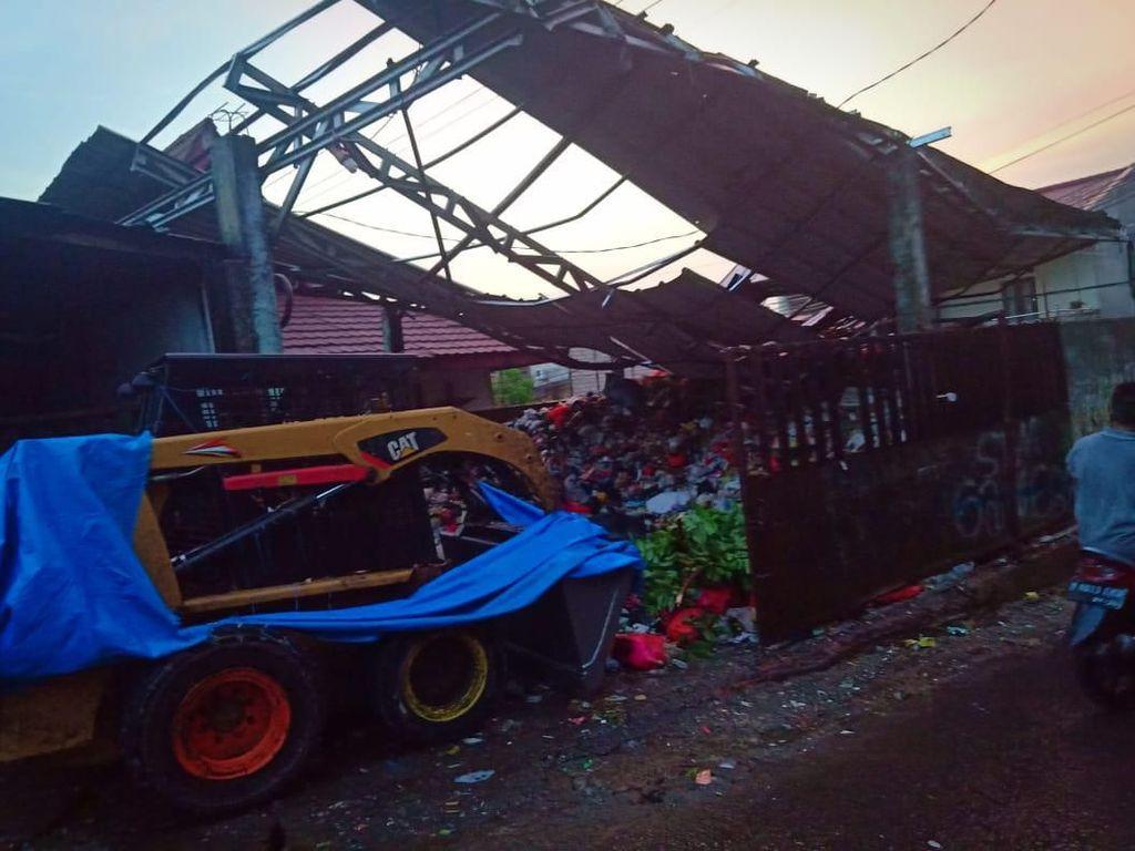 Tower Roboh Timpa 4 Rumah di Depok, Polisi Lakukan Penyelidikan