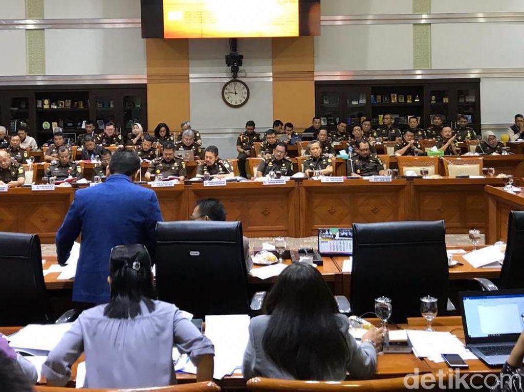 Komisi III DPR Cecar ST Burhanuddin Soal Posisi Plt Jaksa Agung Muda