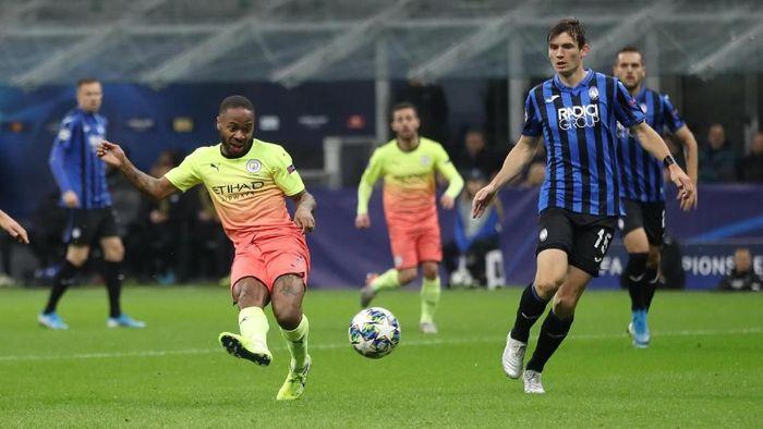 Raheem Sterling mencetak satu gol saat Manchester City diimbangi Atalanta 1-1 (Foto: Carl Recine/Action Images via Reuters)
