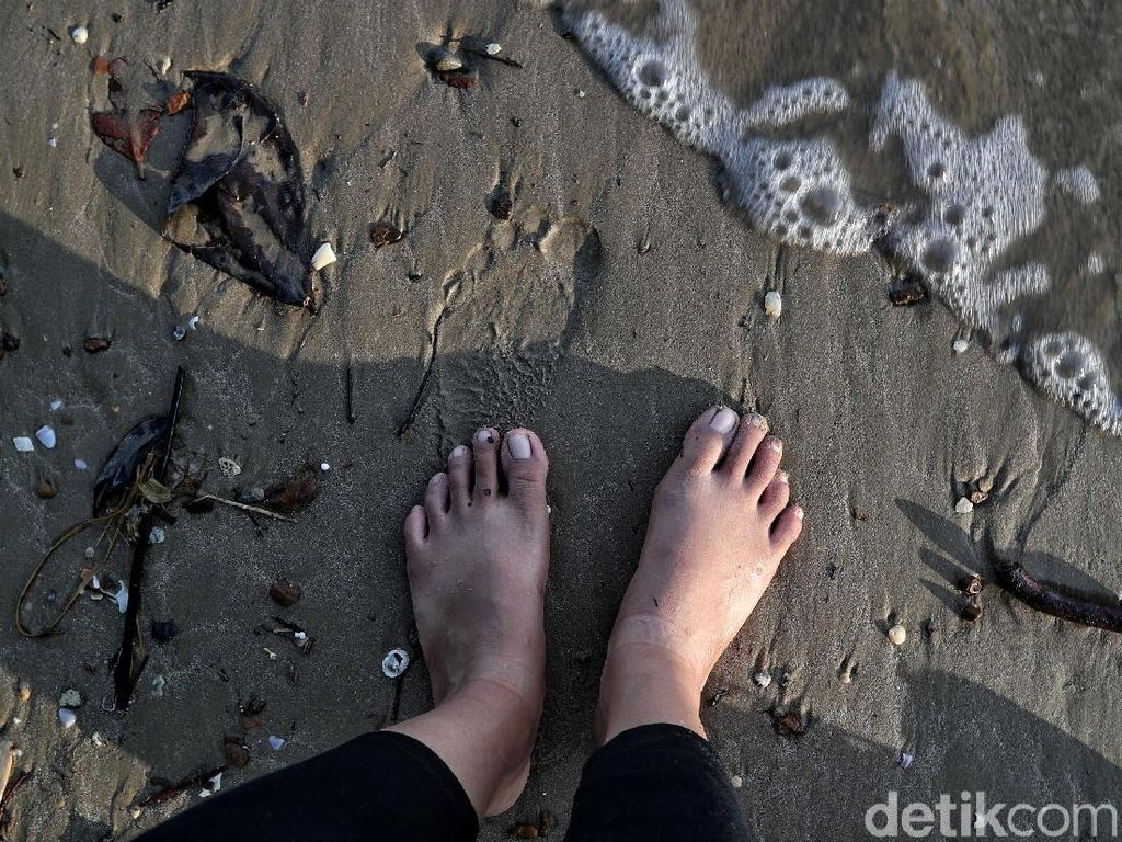 Pantai Batu Lamampu, Surga di Ujung Kalimantan yang Terabaikan