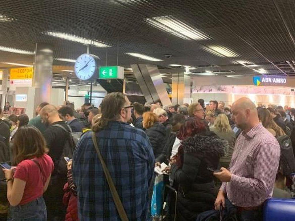 Alarm Pembajakan Tak Sengaja Tertekan, Bandara Schiphol Heboh