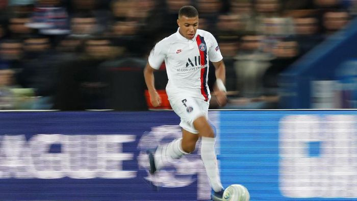 Paris Saint-Germain terusik dengan komentar Zinedine Zidane soal Kylian Mbappe (Foto: Gonzalo Fuentes/Reuters)