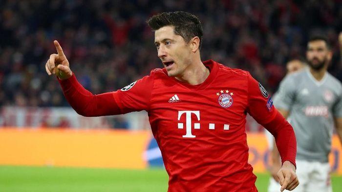 Robert Lewandowski tak pernah absen mencetak gol di Liga Champions dan Liga Jerman musim ini (Foto: REUTERS/Michael Dalder)