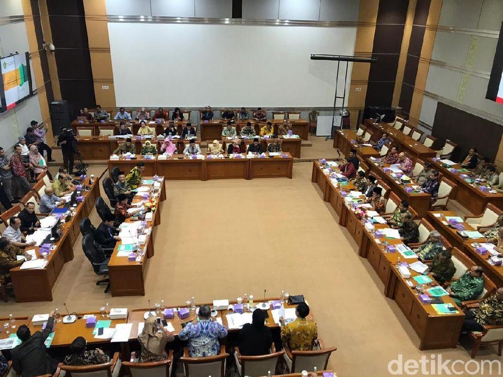 Belum Respons soal Celana Cingkrang di Rapat, Menag Diingatkan Ketua Komisi VIII
