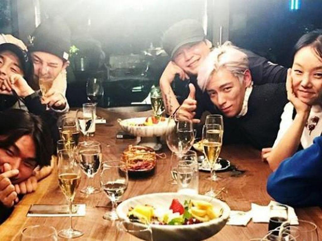 Momen Kulineran Yang Hyun Suk, Bos YG Entertainment bersama Para Artisnya