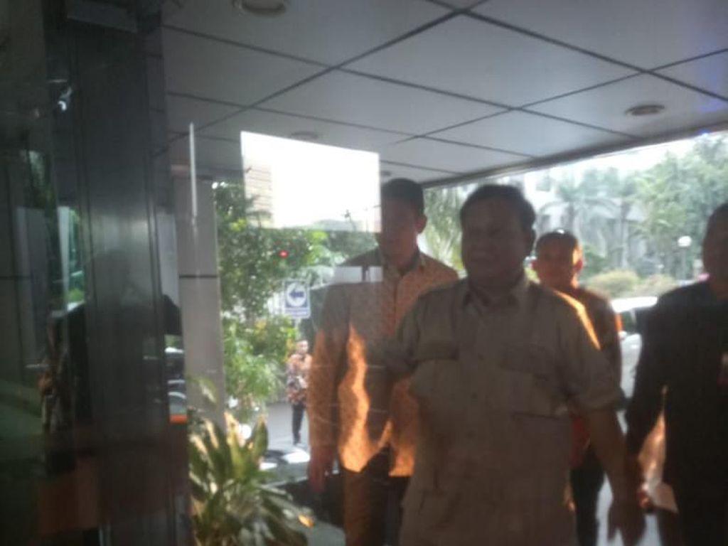 Luhut Panggil Prabowo hingga Budi Karya, Bahas Apa?