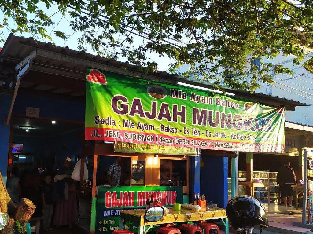 Fakta Mie Ayam Gajah Mungkur yang Kini Tersebar Ribuan Cabang di Indonesia