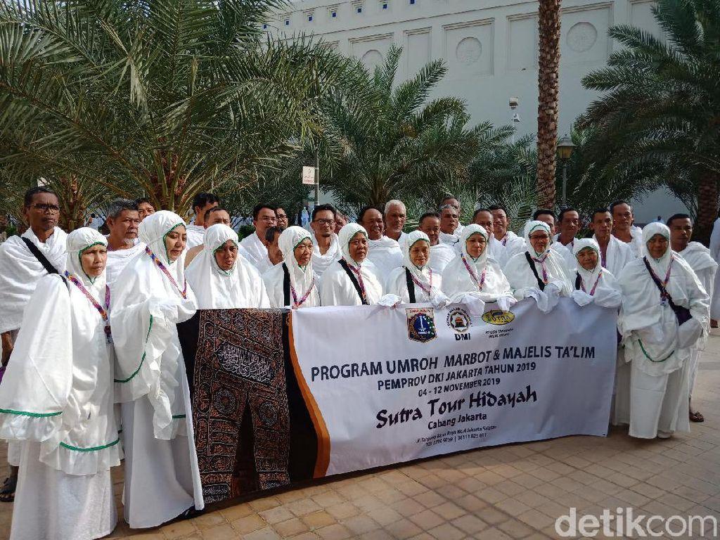 Pakai Ihram, Jemaah Marbut dan Majelis Taklim DKI Berangkat Menuju Mekah