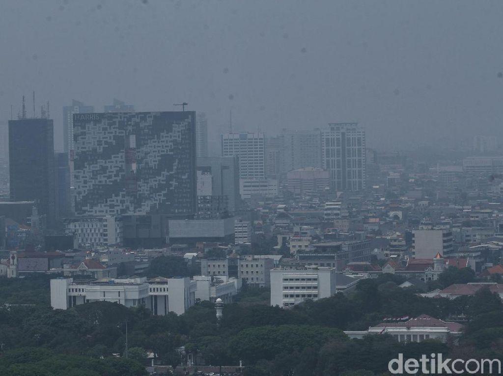 Juli: Jakarta Dikepung Polusi dan Tren Tidur dengan Plester Mulut
