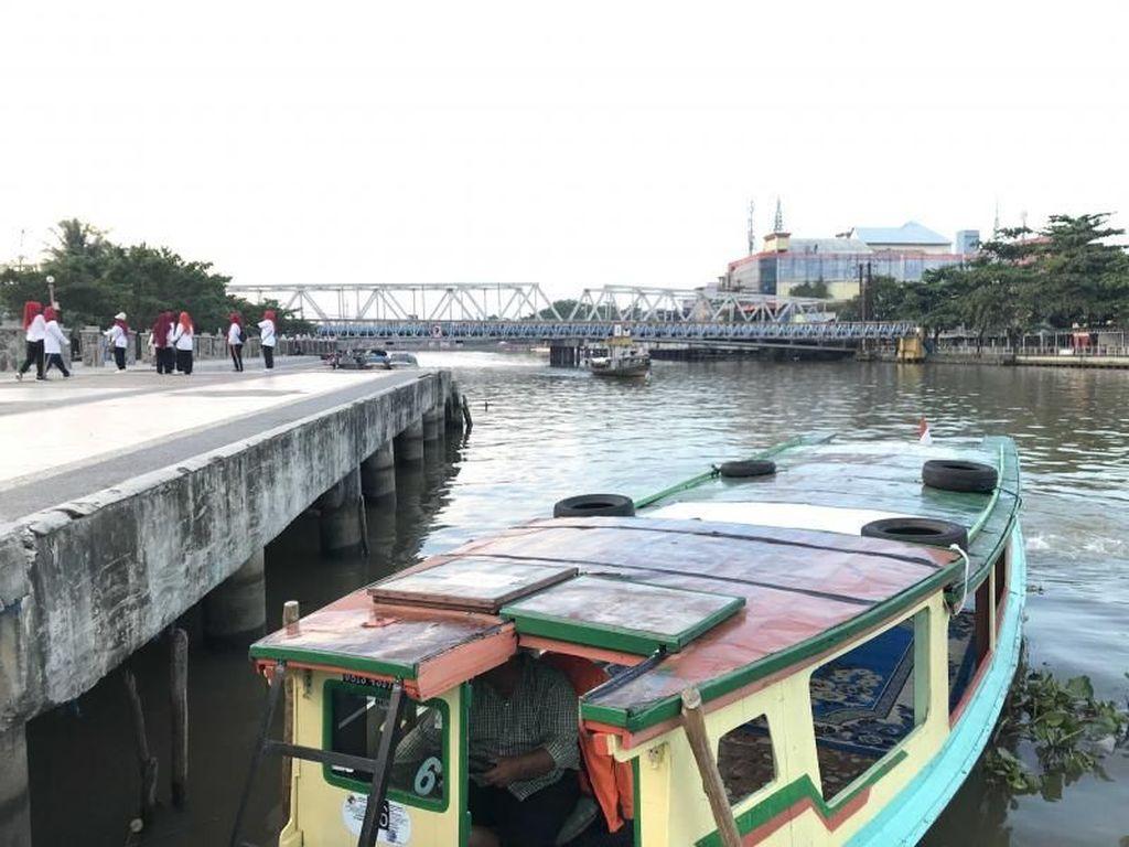 Asyiknya Menyusuri Sungai Martapura Banjarmasin